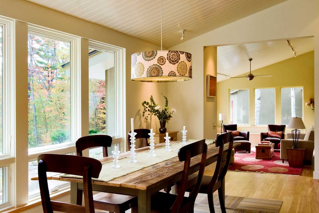 Dining-Room-Chandelier-and-Hanging-Pendants-Dining-table